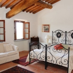 italian-traditional-bedrooms-details1-1.jpg