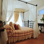 italian-traditional-bedrooms-details2-3.jpg