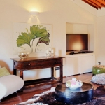 italian-villas-with-bright-accents1-1.jpg