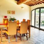 italian-villas-with-bright-accents1-3.jpg