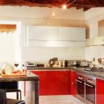 italian-villas-with-bright-accents1-5.jpg
