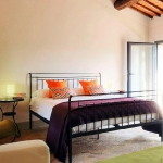 italian-villas-with-bright-accents1-7.jpg