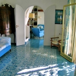italian-villas-with-bright-accents2-1.jpg