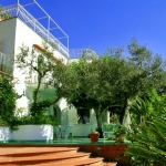 italian-villas-with-bright-accents2-10.jpg