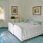 italian-villas-with-bright-accents2-4.jpg