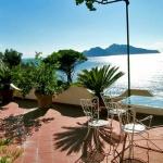 italian-villas-with-bright-accents2-8.jpg