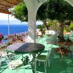 italian-villas-with-bright-accents2-9.jpg