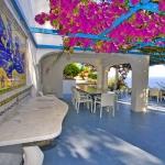italian-villas-with-bright-accents3-12.jpg