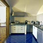 italian-villas-with-bright-accents3-4.jpg