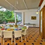 italian-villas-with-bright-accents3-5.jpg