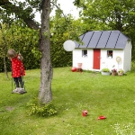 kids-playhouses-in-garden2-1.jpg