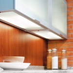 kitchen-lighting-25-practical-tips-cabinets2-4