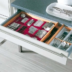 kitchen-storage-solutions-drawers-dividers3-2.jpg