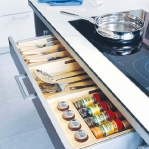 kitchen-storage-solutions-pull-out2-4.jpg