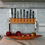 kitchen-storage-solutions-metal-shelves4.jpg