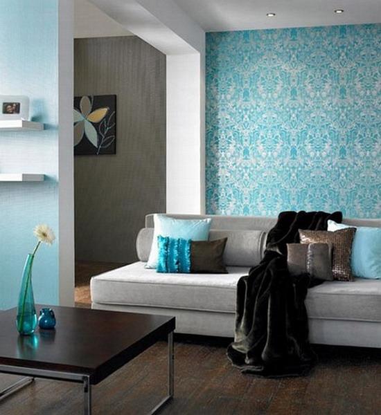 Голубые обои в интерьере в гостиной фото