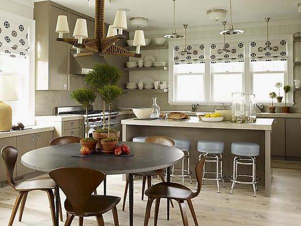 А на кухне требования к чистоте очень высоки, поэтому серые кухни довольно популярны.  При отделке полов серый цвет...