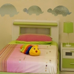 mirror-effect-stickers-design-ideas-in-kidsroom7.jpg
