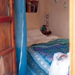 moroccan-theme-in-bedroom2-4.jpg