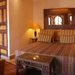 moroccan-theme-in-bedroom4-1.jpg