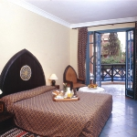 moroccan-theme-in-bedroom4-7.jpg