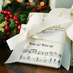 music-sheet-craft-wrapping1.jpg