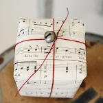music-sheet-craft-wrapping3.jpg