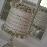 music-sheet-craft-decorating-lamps2.jpg