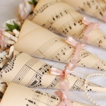 music-sheet-craft-decorating-table-setting2.jpg