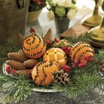new-year-decorations-from-pine-branches-centerpiece7.jpg