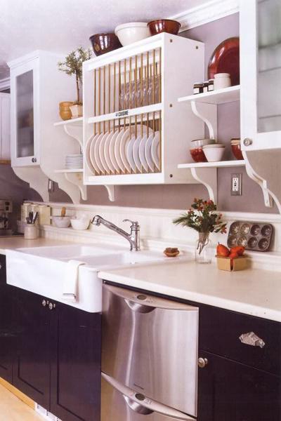 Совмещенные открытые и закрытые полки в навесные кухонных шкафах фото
