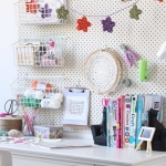 pegboard-in-homeoffice-and-craftrooms-ideas6