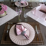 pink-and-wenge-table-set2-7.jpg