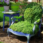 planting-flowers-in-chairs4-3.jpg