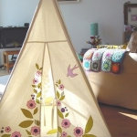 play-tents-in-kidsroom2-4.jpg