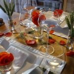 poppy-decorated-table-setting1-11.jpg