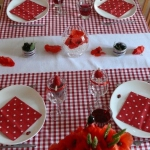 poppy-decorated-table-setting3-2.jpg