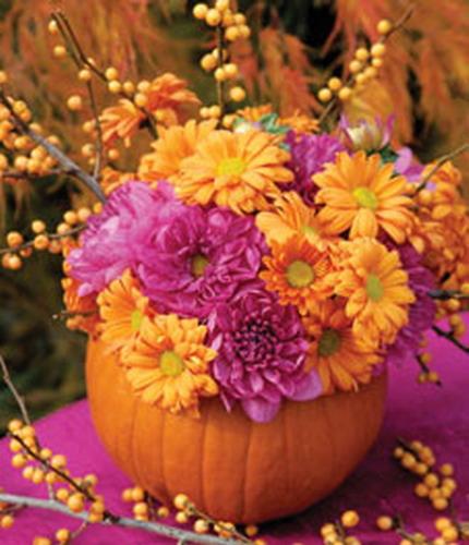 Вариации на тему цветочных композиций в вазе из тыквы: kalop.ru