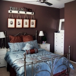 quick-accent-in-bedroom-wall-near-headboard21.jpg
