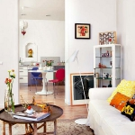 rainbow-accents-in-spanish-apartments1-4.jpg