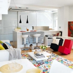 rainbow-accents-in-spanish-apartments3-2.jpg