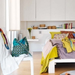 rainbow-accents-in-spanish-apartments3-9.jpg