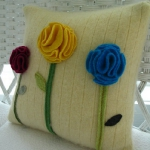 recycled-sweater-pillows-decorating1-2.jpg