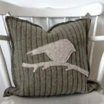 recycled-sweater-pillows-decorating3-3.jpg