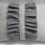 recycled-sweater-pillows-decorating5-3.jpg