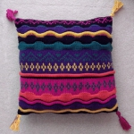recycled-sweater-pillows-decorating6-5.jpg