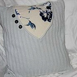 recycled-sweater-pillows-decorating6-6.jpg