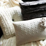 recycled-sweater-pillows-in-details3-1.jpg