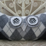 recycled-sweater-pillows-owl1.jpg