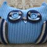 recycled-sweater-pillows-owl3.jpg